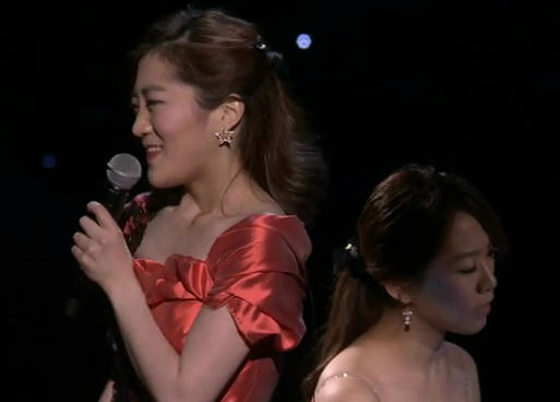 violinist jihae park on the TED stage